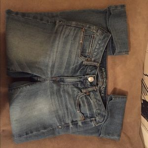 American Eagle Size 2 Vintage Boot Jeans
